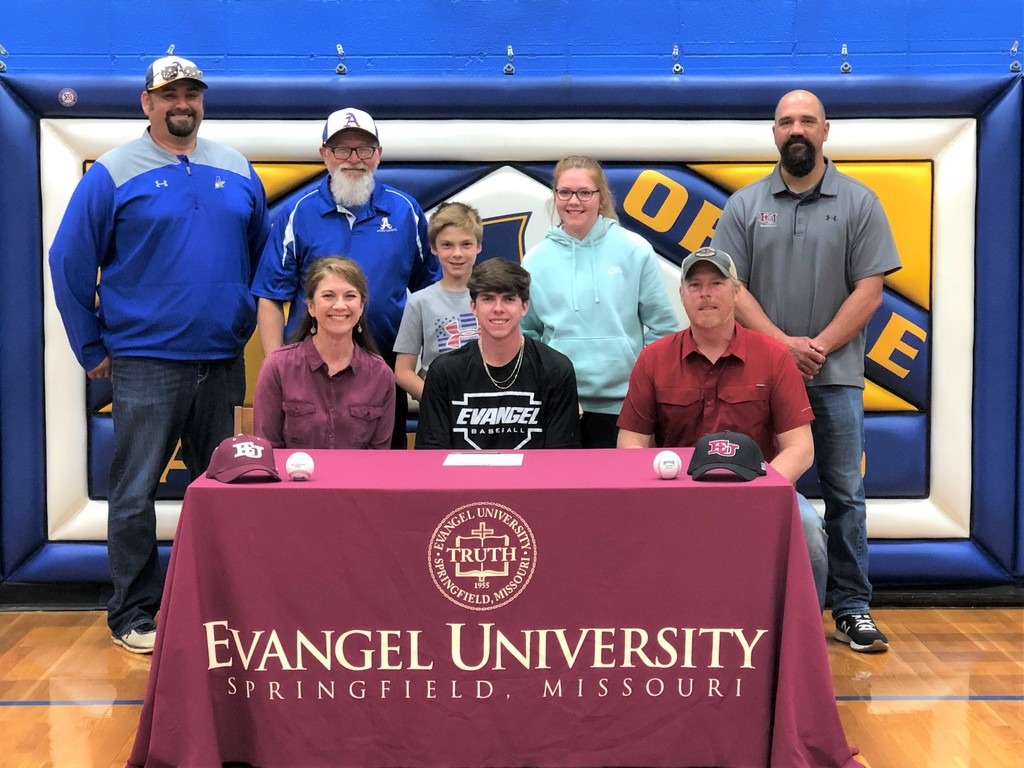 Jed Montgomery Signs with Evangel University
